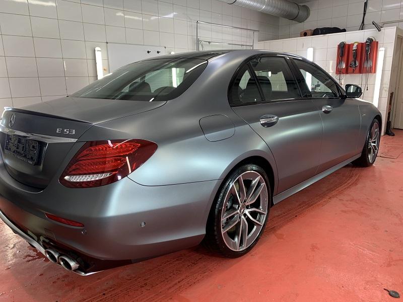 Mercedes-Benz E53 сзади фото