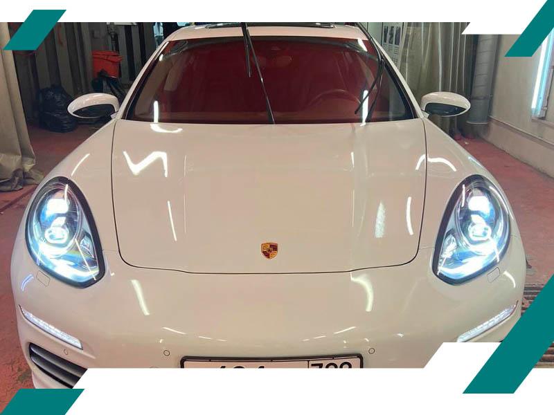 Вмятины на капоте Porsche фото