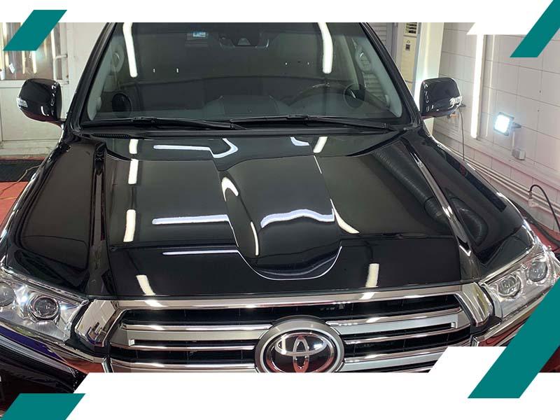 Вмятины на капоте Toyota фото